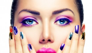 purple-make-up-and-lipstick