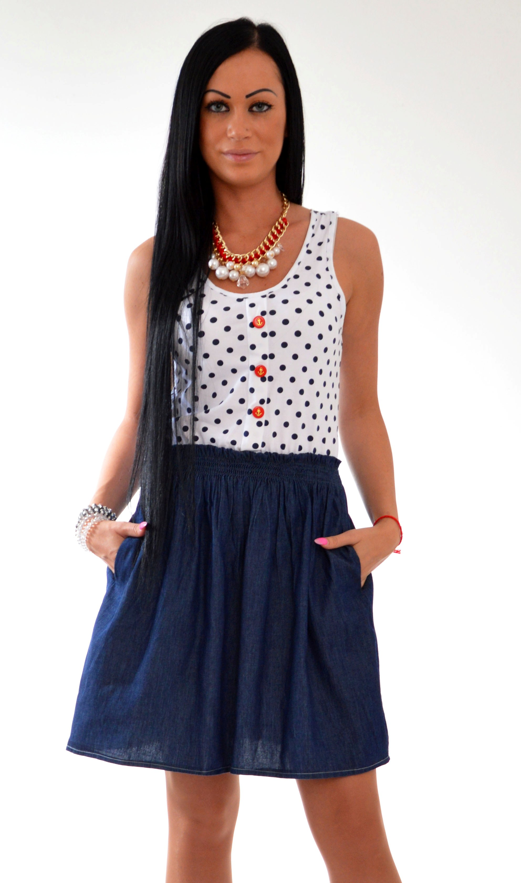 1f5b1ced79f5 Moderné bodkované alebo pásikavé šaty. Ktoré si vybrať