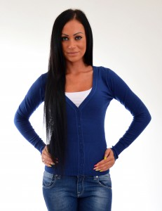modry sveter na gombiky
