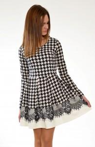 šaty karované